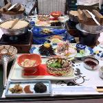 料理(一部)この他に名物のわっぱ煮、鯛のカシラの唐揚げ デザートなどがあります。