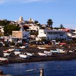 Toy town! Stromboli's black sand beach and coast