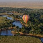 Serian - ballooning over the mara