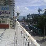 muy cerca de la playa