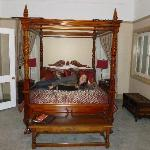 Now I want a four poster bed at my house!
