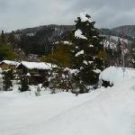 集落は雪に埋もれて