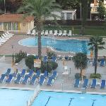 Childrens Pool & Play Area