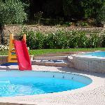 giochi in piscina villa luna