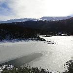 Laguna negra congelada
