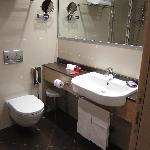 IQ Hotel - Room 411 bathroom