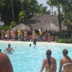 ambiente en la piscina