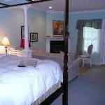 Pearl Davis Suite