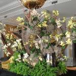 Composition florale entrée de l'hôtel