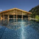 Outdoor-Pool2