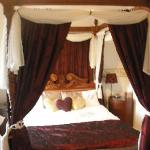 The four poster- so comfy!!