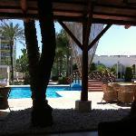 Pool aus der Lounge