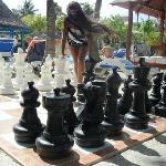 En el tablero de ajedrez enormeeee