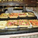Toda la variedad de frutas en el restaurant bufette...riquísimas...del otro lado había más