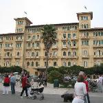 The hotel front from the prom