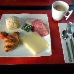 簡単だが美味しい朝食ビュッフェ