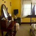 Meenhi Suite