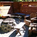 The outdoor firepit was our very favorite feature.