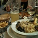spagetti with moules, frites and beer