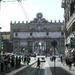 Pic 1 - The Arch to Piazza del Popolo