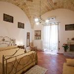 camera da letto appartamento orchidea-centro storico