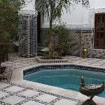 Une des deux piscines du riad