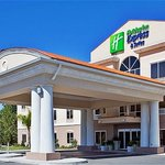 Holiday Inn Express & Suites Inverness near Crystal River and Homosassa Springs