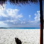 Descansando en la playa del hotel Hyatt.