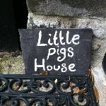 little pigs house