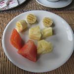 Breakfast fruit (small portion)
