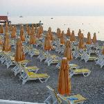 beach ( sunbeds)