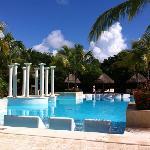 Pool - Grand Palladium Colonial Resort & Spa Photo