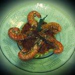 Pêche du jour - Gambas flambées sur lit de tomates du jardin - tagliatelles fraîches