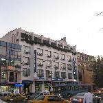 El hotel desde la plaza Beyazit