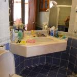 Bungalow room bathroom