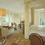 Coworth Park_Mansion House Executive Suite_Bedroom