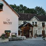 Photo of Hotel Le Magny