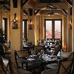 Qasr Al Sarab Desert Resort by Anantara - Ghadeer Restaurant