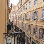 vista desde la alcoba y balcón