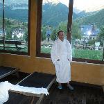 Spa con vistas a la montaña en el apartahotel