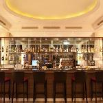 Hotel's Bar & Lounge