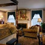Captain Lord Mansion - Lincoln Room - Kennebunkport Bed and Breakfast