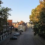 De straat waar het b&b gelegen is.