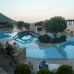 zona piscina all'alba