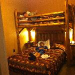 Glacier Lodge kids bedroom