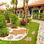 Tropica Bungalow Garden