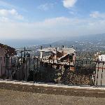 Brutto panorama dal terrazzo della camera Re Artù
