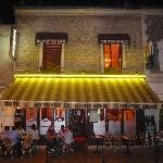 Le restaurant de nuit / The restaurant by night