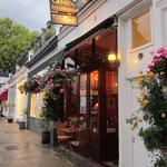Genie's Restaurant and Wine Bar