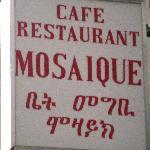Look for this sign on Rue de Môle near Rue de Lausanne.